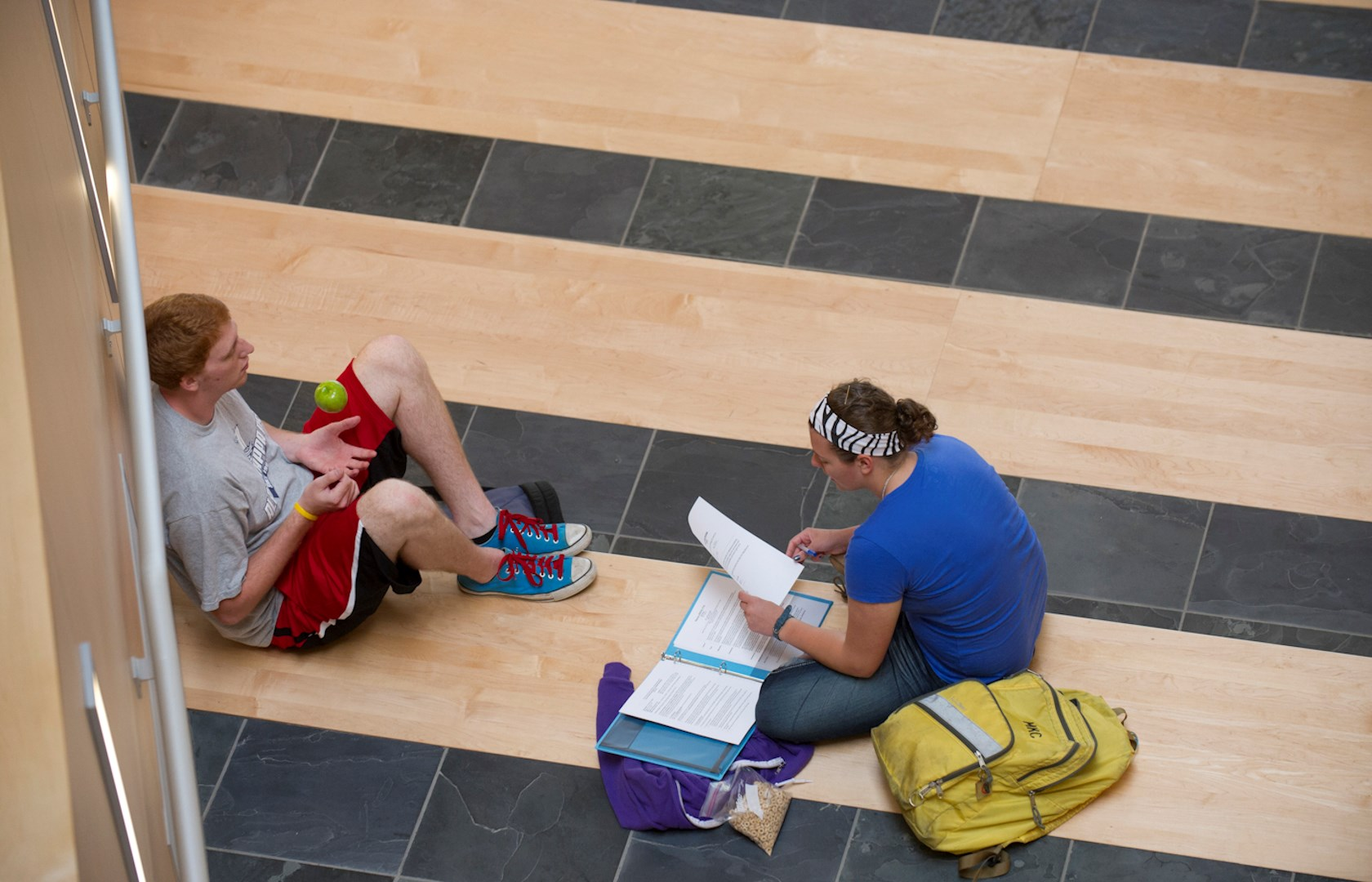 horiz students studying in Atrium