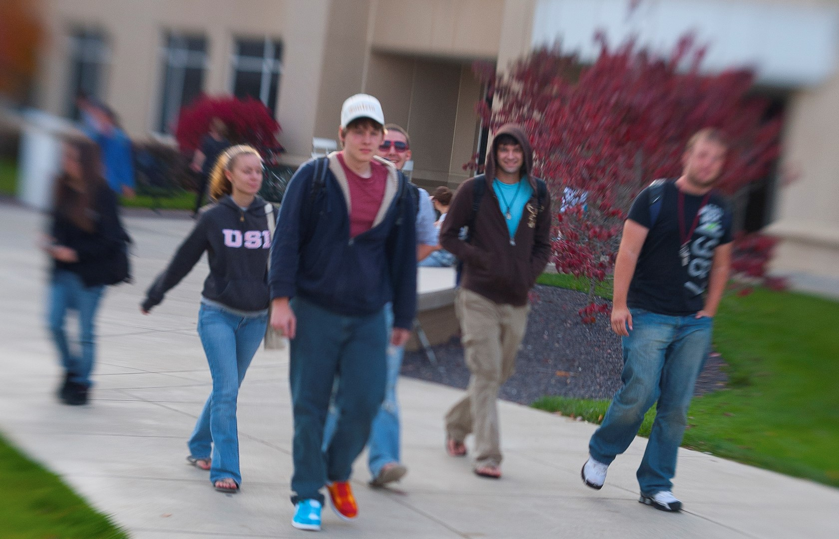 horiz students on Liberal Arts walkway