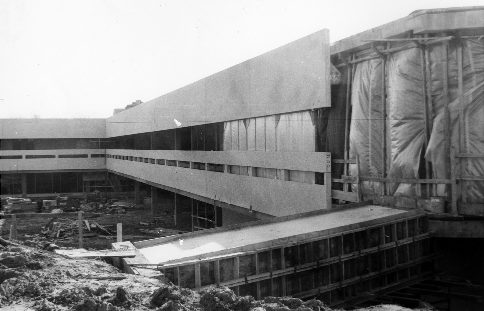 horiz_UC Center construction 1974