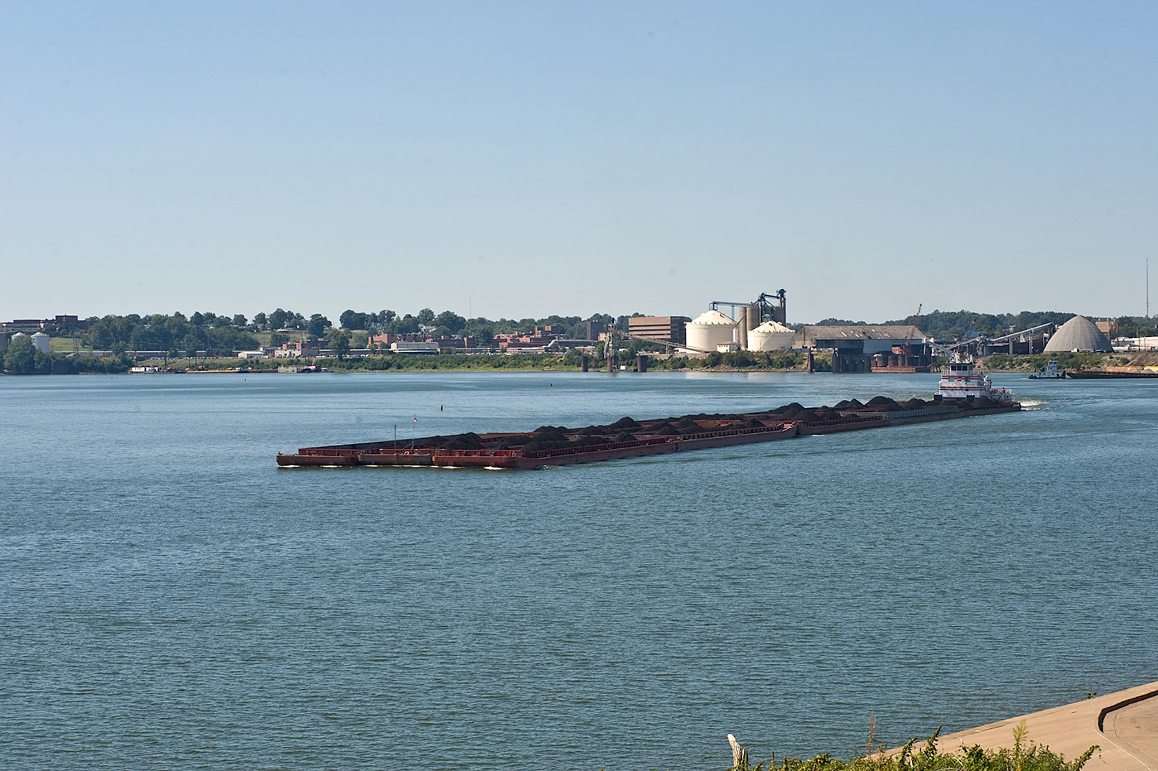 Barge Traffic on Ohio
