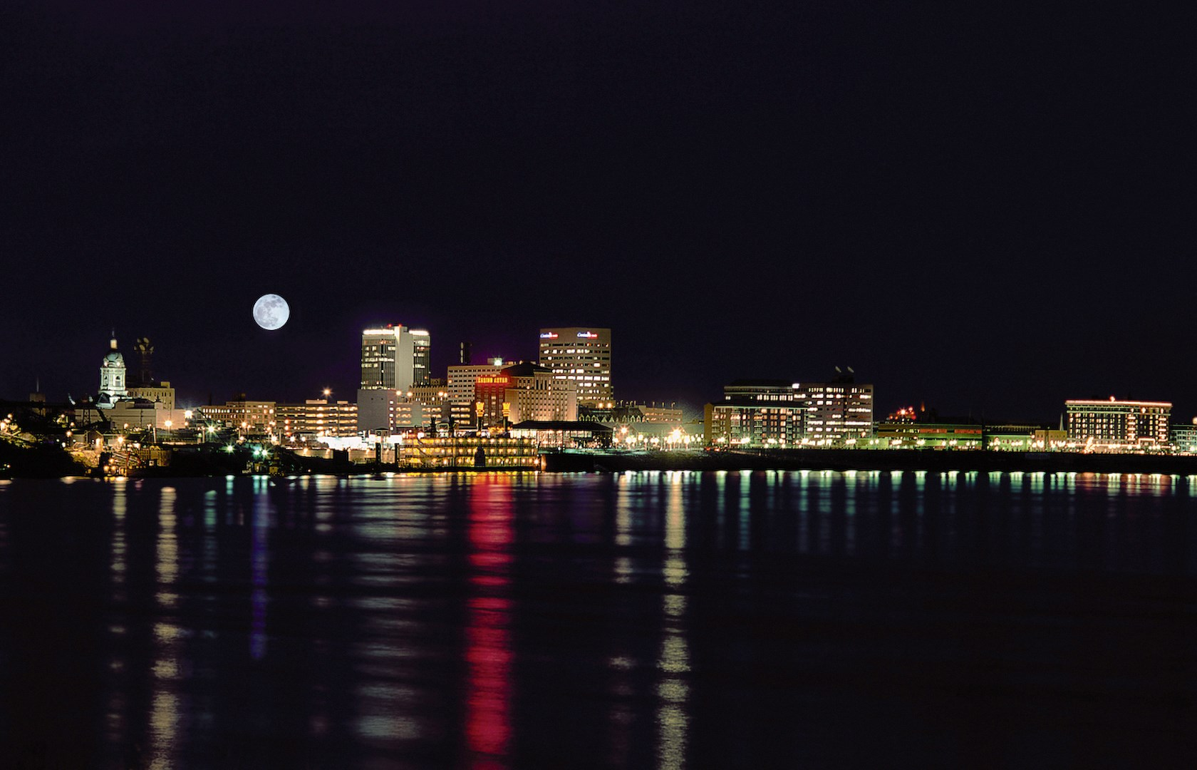 Evansville river front at Night