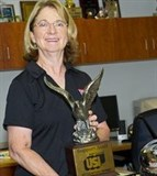 Lucy Schenk With Trophy (1)