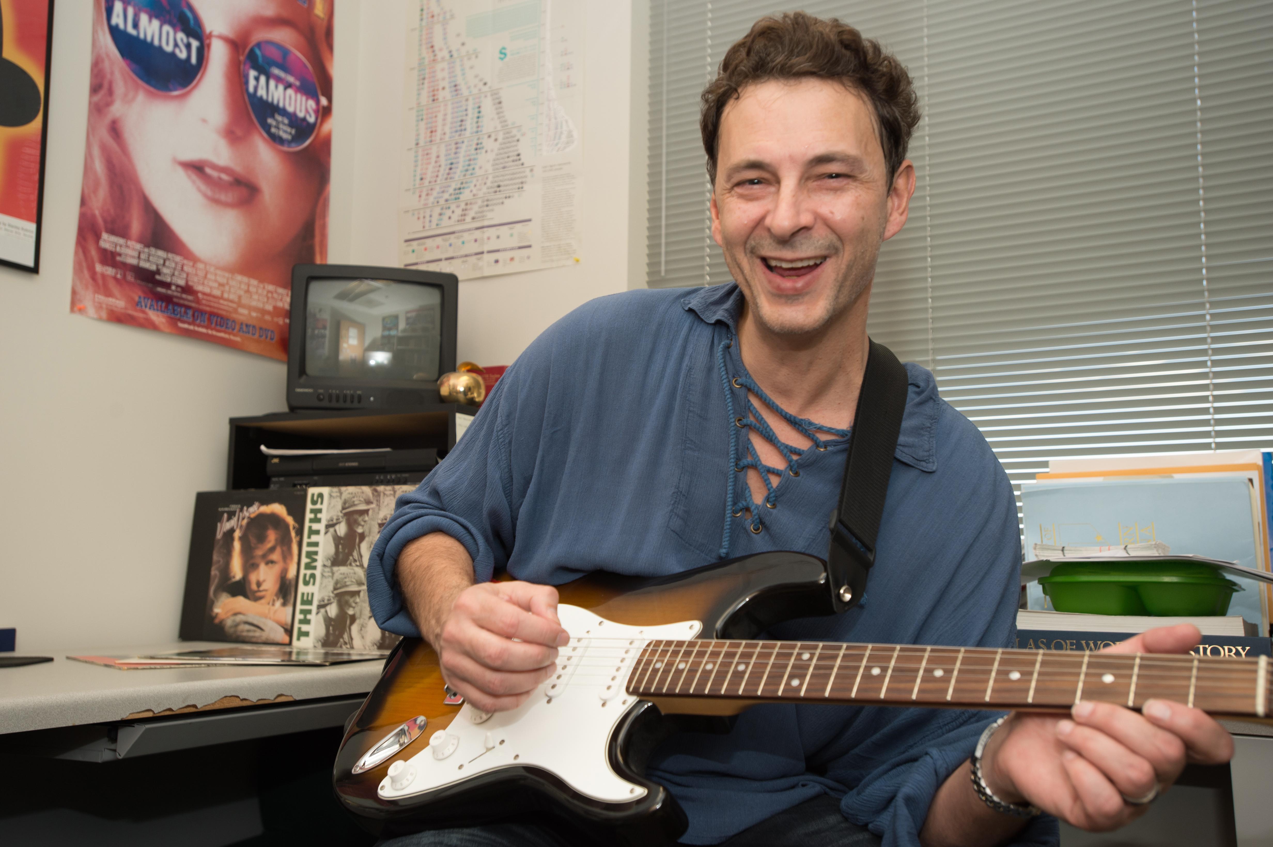 descubre el how to tune a guitar usi