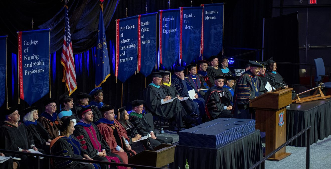 ba0d625fa7 Commencement - University of Southern Indiana