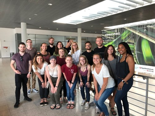 USI students tour airport